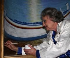 Fernández Rivera firma la pintura mural hornacina de la Virgen del Carmen en la iglesia de El Salvador de Nerja.